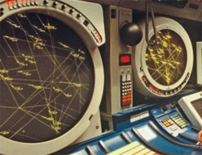 Visualisation 670 dont l'exploitation s'est poursuivie jusque dans les années 2000 dans certains centres de contrôle.